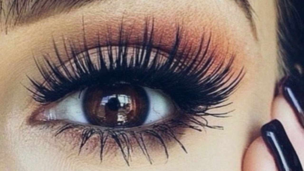 Get Eyelash Extension to Skip the Essential Everyday Eye Makeup Steps